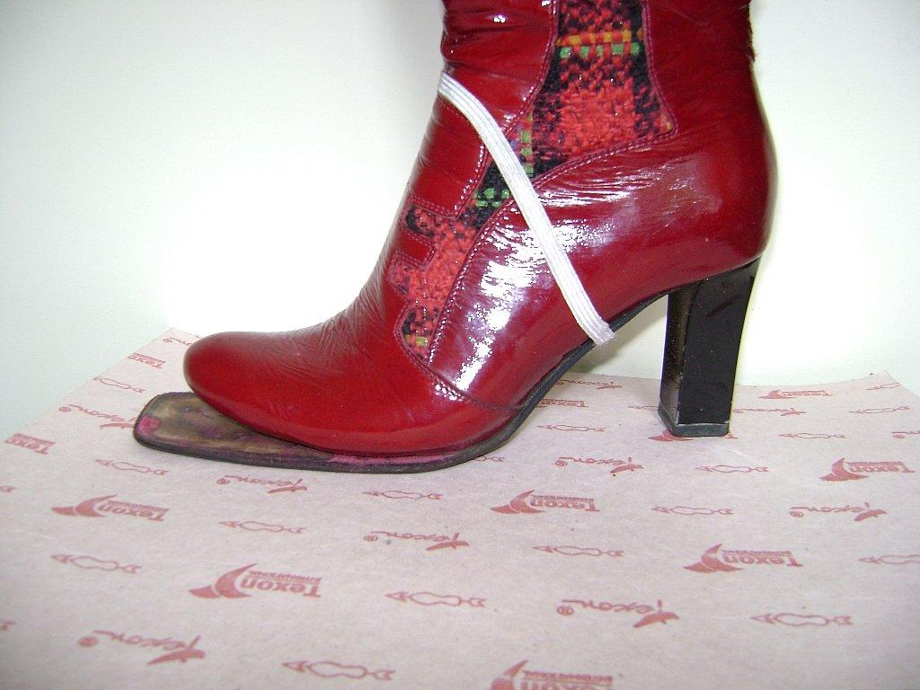 Перетяжка обуви